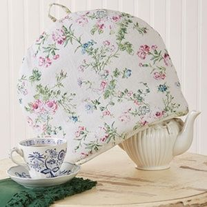 April Cornell Annalouise Reversible Tea Cozy NWT
